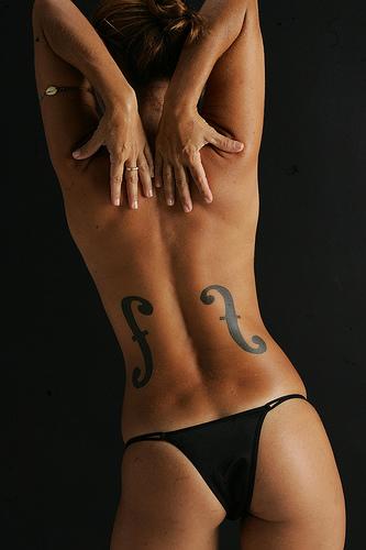 Nude bikini girl in free porno games XXX